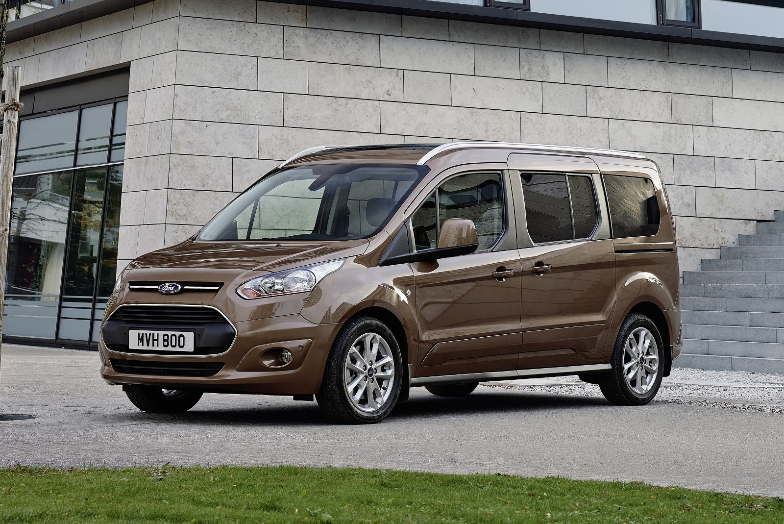 2014 yeni kasa ford tourneo connect 7 150x150 2014 Yeni Kasa Ford