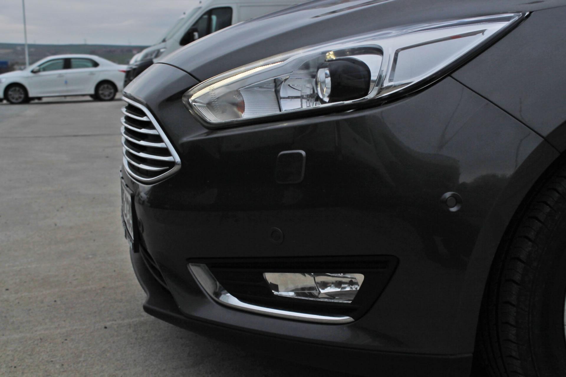 2015 yeni ford focus sedan 1 6 tdc titanium oto kokpit. Black Bedroom Furniture Sets. Home Design Ideas