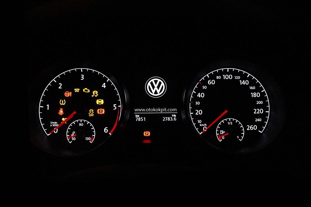 Volkswagen Golf 7 TDI DSG Comfortline Testi -7