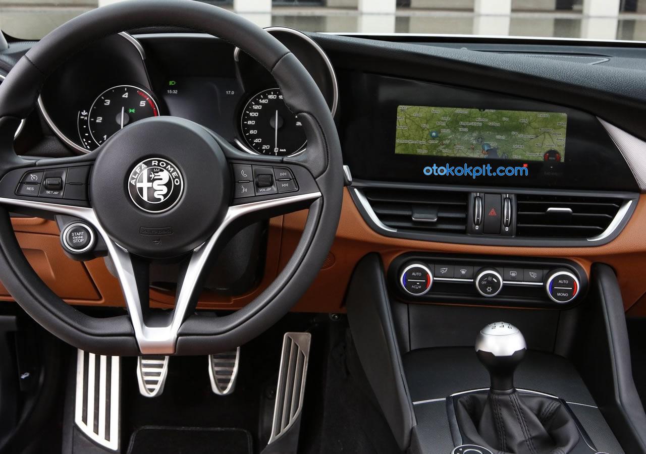 Yeni Alfa Romeo Giulia Kokpiti