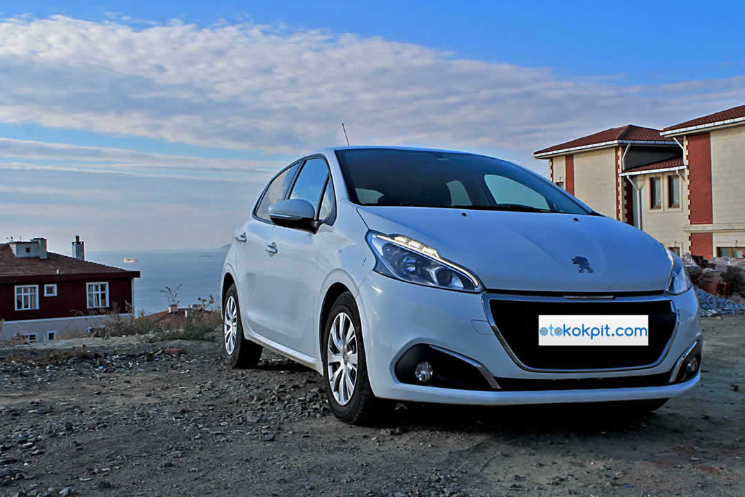 yeni peugeot 208 1 4 e hdi active otomatik testi oto kokpit. Black Bedroom Furniture Sets. Home Design Ideas