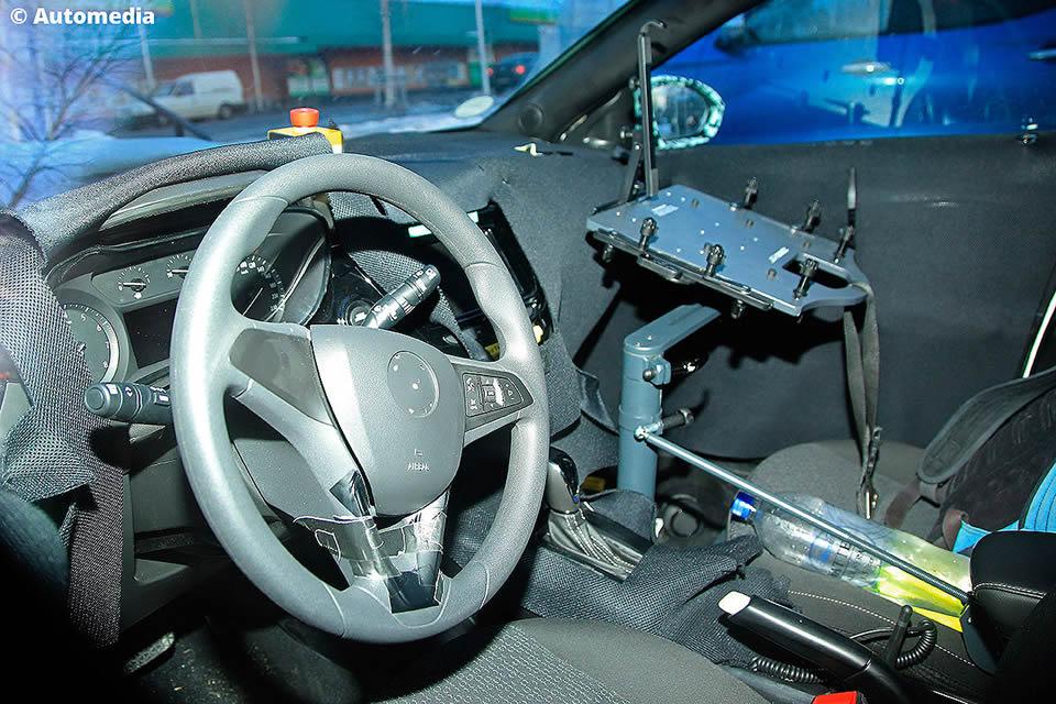Yeni Kasa Opel Corsa F Kokpiti