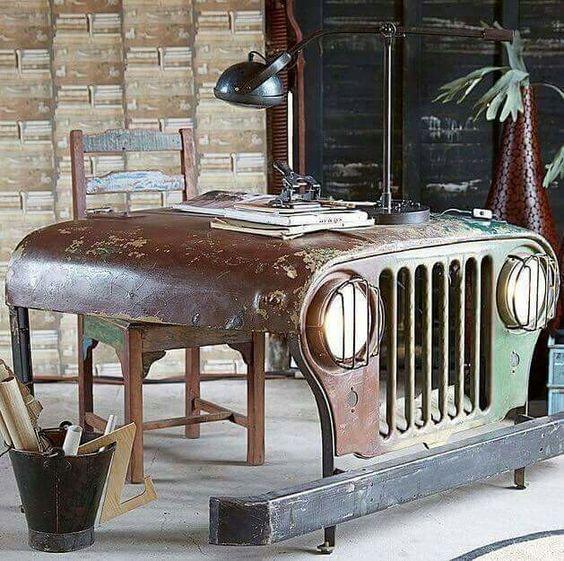 Jeep'ten Çalışma Masası
