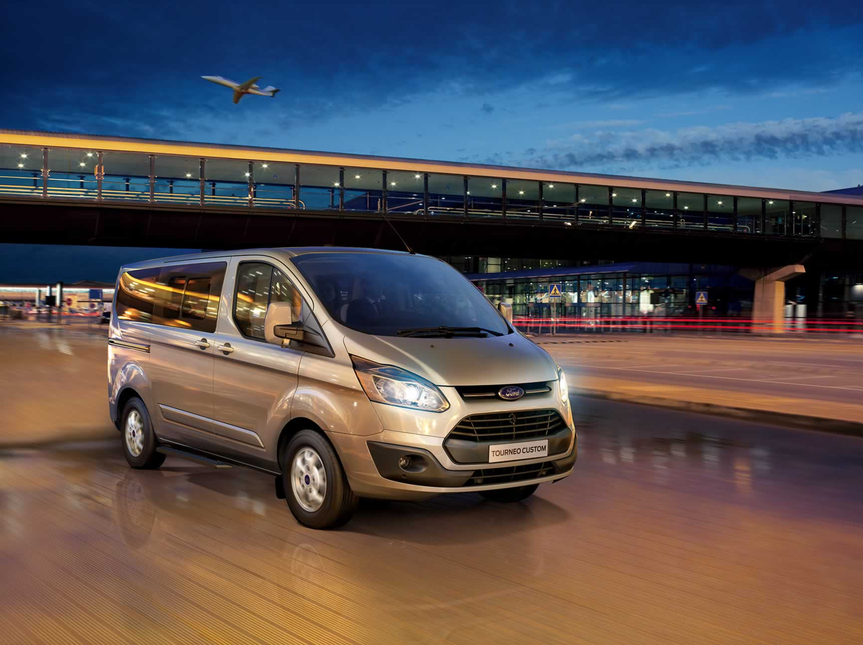 Otomatik Yeni Ford Tourneo Custom