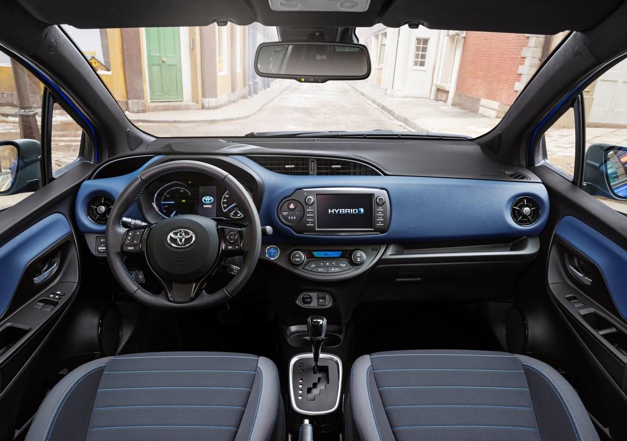 Yeni Toyota Yaris 2017 Kokpiti