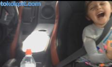 Kız Çocuğu 1000 Beygirlik Nissan GT-R'ı Çok Sevdi-Video