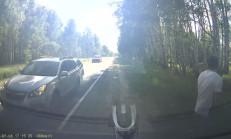 İhtiyaç Molasında Yanında Trafik Kazası Olan Adam