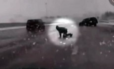 Korkunç Kazada Sürücü Araçtan Fırlıyor