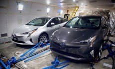 2016 Yeni Kasa Toyota Prius Casus Kameralara Yakalandı