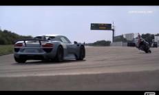 Porsche 918 Spyder ve Yamaha YZF-R1'in Pistte Eşsiz Dansı