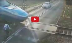 Hızlı Trene Çarpan Bisikletli