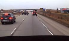 Ani Frenle Kontrolü Kaybeden SUV Sürücüsü Kaza Yapıyor