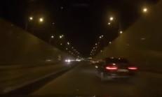 Mercedes'e Makas Atan Audi Kazaya Sebep Oluyor
