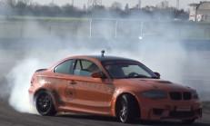 M5 Motorlu BMW 1M, Lastiklerin Canına Okuyor (Drift İçerir)