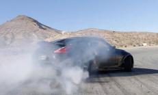 Çift Turbolu Nissan 370Z, Porsche Eşliğinde Drift Yapıyor