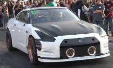 Çeyrek Mil Canavarı Nissan GT-R