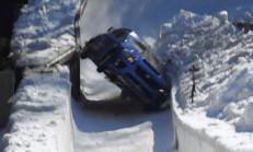 Subaru WRX STI, Daracık Bobsled Pistinde Gazladı!