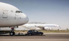 2017 Porsche Cayenne, 285 Tonluk Airbus A380 Uçağını Çekti