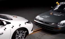 1998 Toyota Corolla ve 2015 Toyota Auris Çarpışma Testini İzlemelisiniz