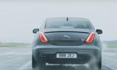 Jaguar XJR575, 0'dan 300 km/s Hıza Kaç Saniyede Çıktı Dersiniz?