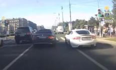 Sokak Yarışında Jaguar XKR Fena Patladı