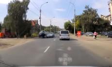 Hatalı Çıkış Yapan Mercedes Sürücüsü, Kazaya Sebep Oldu
