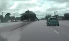 Hızlı Giden Polis Aracının Önüne Çıkan Smart'ın Acı Sonu