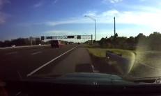 Direksiyon Başında Nöbet Geçiren Sürücü Kazadan Ucuz Kurtuldu