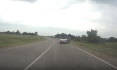 Lada Sürücüsü, Motosikletliyi Yolun Dışına Attı