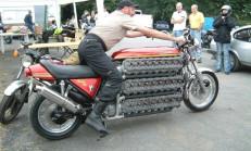 Bu Motosiklet 4.2 litre 48 Silindirli Motora Sahip!