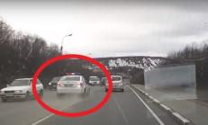 Mazda 6'yı Kovalayan Polis, Kaza Yaptı