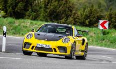 2019 Porsche 911 GT3 RS Weissach Paketi Özellikleri ile Tanıtıldı