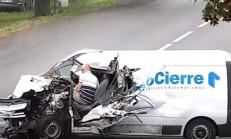 Ukraynalı Sürücü Bu Trafik Kazasından Sağ Çıktı