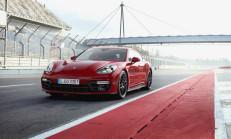 2019 Yeni Porsche Panamera GTS Özellikleri ile Tanıtıldı