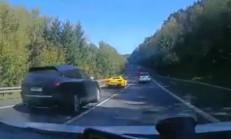 Ferrari 458 ve Porsche Cayenne, Skoda Sürücüsünün Katili Oldular