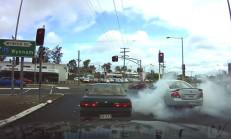 Ford Falcon ile Işıklarda Lastik Yakarak Kalktı