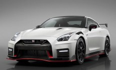 2020 Yeni Nissan GT-R Nismo Özellikleri ile Tanıtıldı