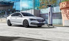 Hibrit 2020 Skoda Superb iV Özellikleri ile Tanıtıldı