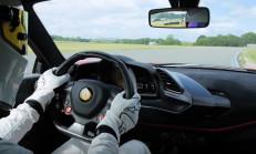 Stig, Ferrari 488 Pista ile Top Gear'ın Yeni Rekorunu Kırdı