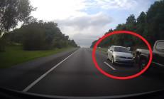 Aşırı Hızlı VW Jetta Yavaşlayan Trafik Kurbanı Oldu