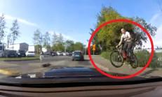 Bisiklet Sürücüsü Uçarak Araca Girdi