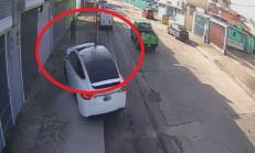 Tesla Model X Kontrolden Çıktı!