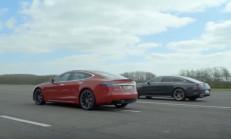 Hangisi Geçer? Tesla Model S P100D – Mercedes-AMG GT 63
