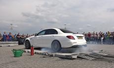 800 Beygirlik Mercedes-AMG E 63 S, 20 Saniye Boyunca Lastik Yaktı