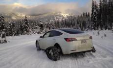 Tesla Model 3'e Palet Takılırsa