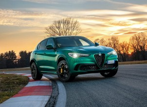 2020 Yeni Alfa Romeo Stelvio Quadrifoglio Özellikleri ile Tanıtıldı