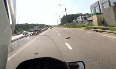 Motosiklet Sürücüsü Ördek Sürüsüne Denk Gelirse!