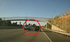 SUV Sürücü, Kızdığı Araca Kaza Yaptırdı