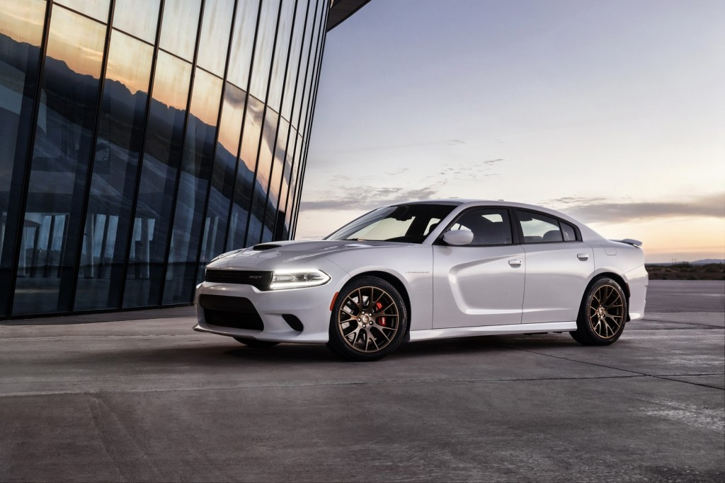 2015-yeni-dodge-charger-srt-hellcat-24