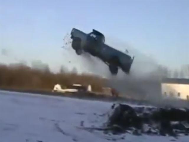 kamyonetle-snowbank-atlayisi